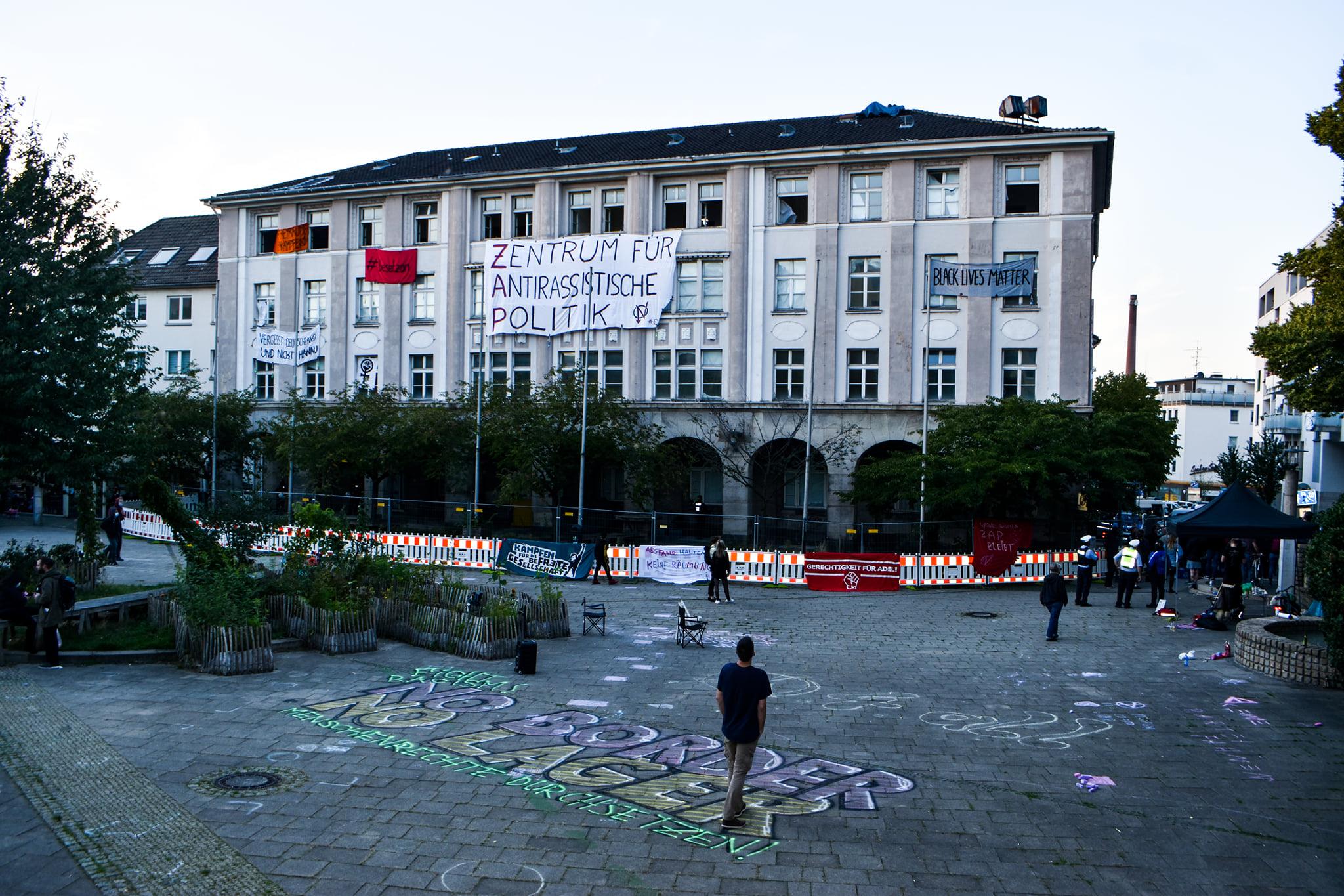 Stellungnahme zur Hausbesetzung für ein antirassistisches Zentrum am Weberplatz Essen